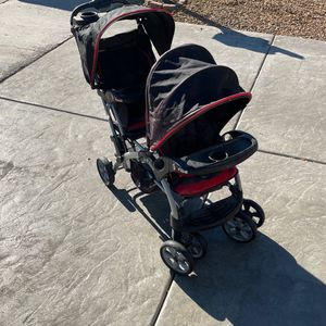 Double Stroller for Sale in Las Vegas, NV