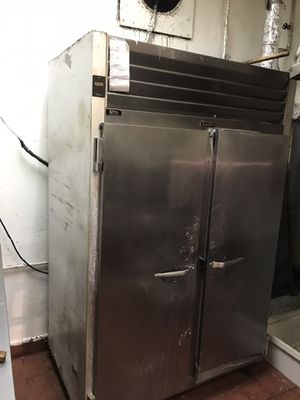 Traulsen freezer. Fully working. Self-pick up only for Sale in Hayward, CA