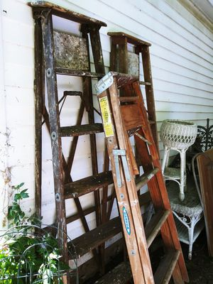 Ladders Wooden Heavy Duty 15$ Each 6ft & 5ft for Sale in Joliet, IL