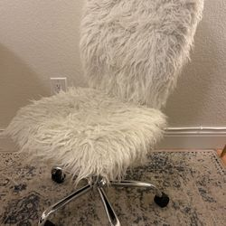 Shag Office Chair for Sale in Fresno,  CA