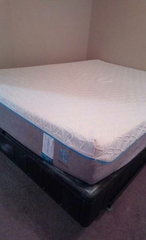 Tempur pedic cloud luxe for Sale in Wichita, KS