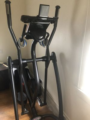 Smooth Fitness Elliptical Machine CE 3.6 for Sale in Chicago, IL