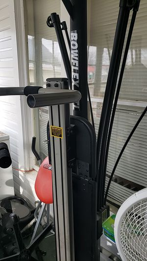Old bowflex exercise machine for Sale in Suttons Bay, MI