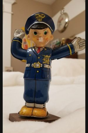 👀🙋♂️ SUPER RARE 1950's Vintage T. N. (Japan) Policeman Wind-up. He spins and right hand moves up & down, to control Traffic. Asking $175.00 for Sale in Bakersfield, CA