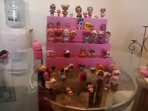 Lol pop up store display case and assortment of L.O.L dolls for Sale in Shoreview, MN