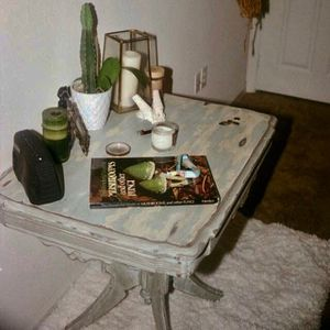 Small restoration blue table and chair shabby chic for Sale in Austin, TX