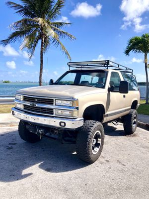 1992 Chevy Blazer (super rare manual transmission with a lot of custom work done) for Sale in Miami, FL