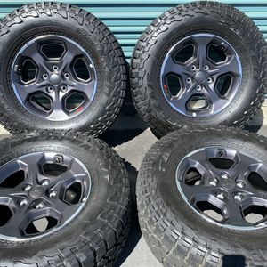 Jeep Gladiator Rubicon Factory Wheels for Sale in Fontana, CA
