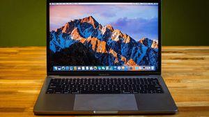 macbook pro 2017 for Sale in Chicago, IL