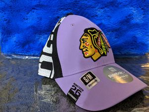 Chicago black Hawks woman's hat fight cancer hat for Sale in Chicago, IL