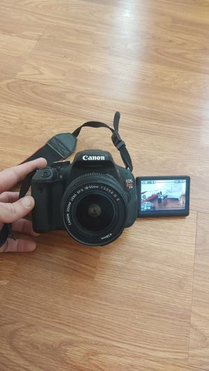 CANON T3i w/ 18-55mm CANON Lens, Camera Bag and Battery Charger - $300 TODAY ONLY for Sale in Los Angeles, CA
