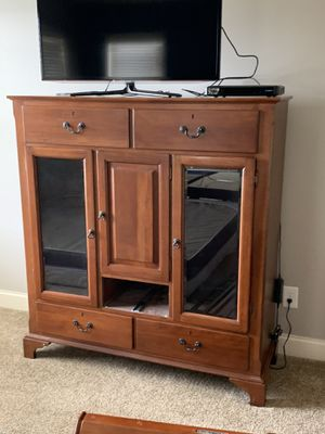 Super nice bed frame with two dressers and one large dresser for Sale in Simpsonville, SC