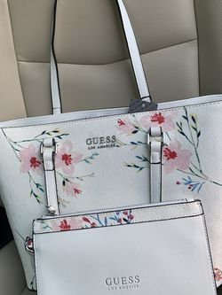 Guess Floral Purse With Matching Wristlet for Sale in Fort Lauderdale,  FL
