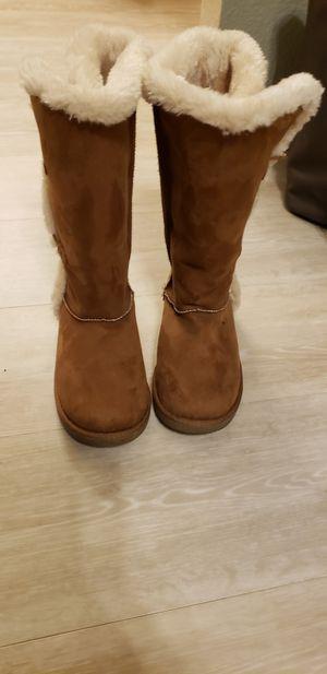 Girls winter boots for Sale in Turlock, CA