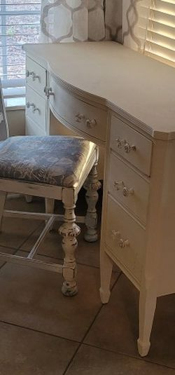 Distressed Chair And Vintage Desk for Sale in New Port Richey,  FL