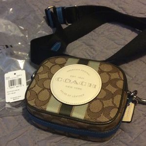 Mini Coach camera Bag. New Never Worn for Sale in The Bronx, NY