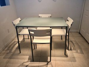 Dinette set with 4 chairs for Sale in Winter Garden, FL