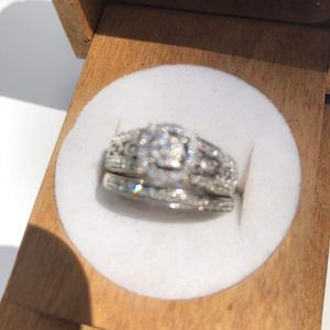 Wedding Diamond Ring and Band Set for Sale in South Gate, CA