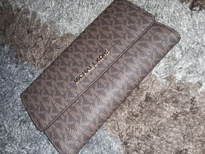 Michael Kors Wallet for Sale in Pekin, IL