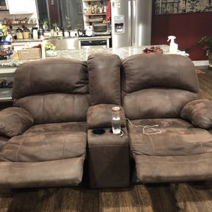 Dual Love Seat Recliners W/ USB OUTLETS for Sale in El Cajon, CA