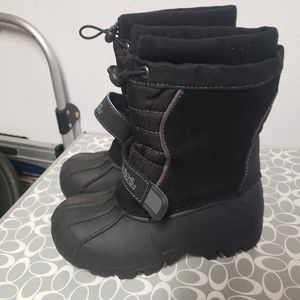 Snow boot for little kid (size 12 ) gentle used for Sale in Tustin, CA