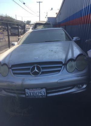 2003 Mercedes CLK 320 parting out good engine and good transmission good differential for Sale in Fresno, CA