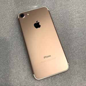Apple iPhone 7 Unlocked 32GB for Sale in Chicago, IL