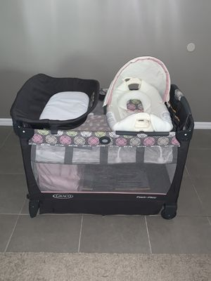 Graco Pack 'n Play Cuddle Cove Playard, Addison for Sale in Gibsonton, FL