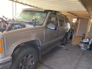 GMC Yukon Transmissin 4L60 4x4 parts for Sale in Phoenix, AZ