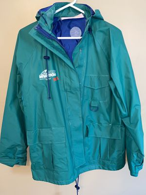 Rain warrior max (bass pro) rain jacket for Sale in Indiana, PA