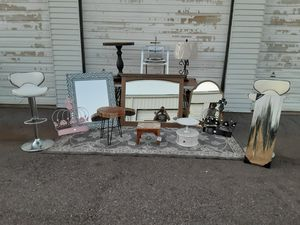 Various home decor products/ mirrors/ chairs ect. for Sale in Orem, UT