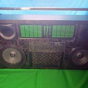 MONSTER BUMPBOXX LIMITED EDITION for Sale in Union City, CA