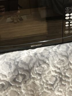 Almost New Microwave for Sale in Auburn,  WA