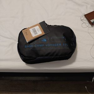 Northface Base Camp Voyager 32L(Bag,Backpack, Duffle Bag, Carryon) for Sale in Seattle, WA