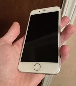 White iPhone 7. for Sale in Newberg,  OR