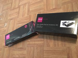 Hair Straightener & accessories for Sale in Redford Charter Township, MI