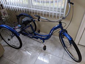 Schwinn Meridian adult tricycle for Sale in Tampa, FL