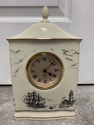 Lennox Glass Clock for Sale in Chesterfield, MO