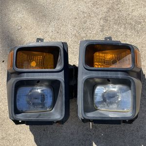 2008, Ford F250 SD Headlights Assemblys OEM for Sale in Watsonville, CA