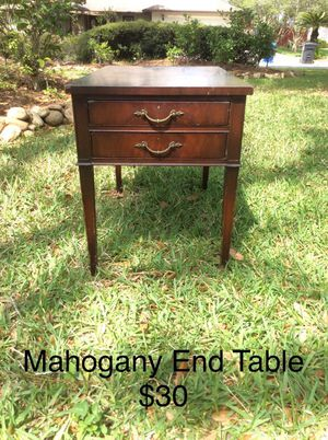 Mahogany End Table for Sale in Tampa, FL