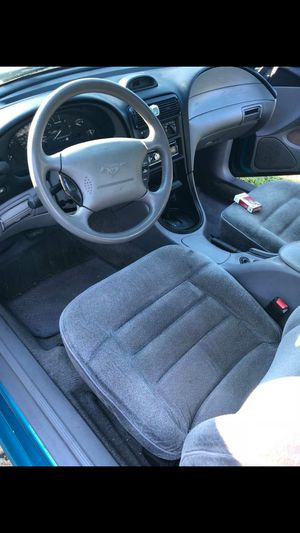 Ford mustang, V6 coup,. 2 doors for Sale in Columbus, OH