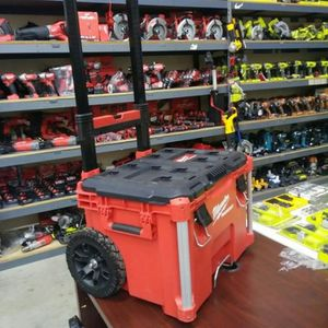 MILWAUKEE PACKOUT TOOL BOX BRAND NEW for Sale in San Bernardino, CA