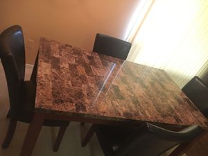 5 PIECE DINING TABLE SET for Sale in Cleveland, OH