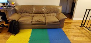 Free Leather couch for Sale in Piscataway, NJ