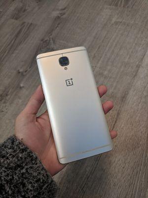 128GB ONE PLUS 3/3T UNLOCKED 🎉🎉🎉 for Sale in Seattle, WA