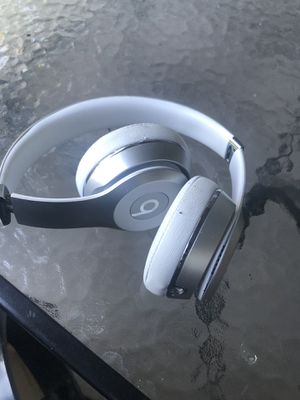 Beats solo 3s silver for Sale in Salt Lake City, UT