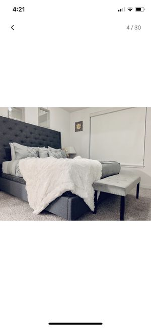 King Size Bed with mattress for Sale in Austin, TX