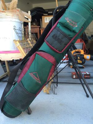 Adult light weight golf club bag w/stand for Sale in Cary, NC