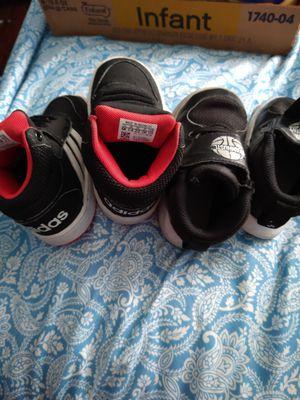 Zapatos de niño for Sale in Los Angeles, CA