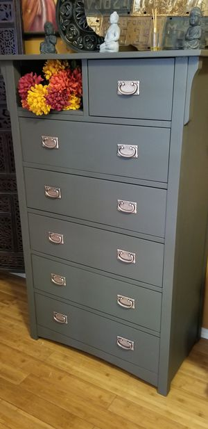 Amazing Vintage Dresser Deep Drawers (PICKUP ONLY) for Sale in Whittier, CA